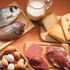 ¿Cuántos gramos de proteína debemos consumir diariamente?