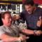 Arnold Schwarzenegger y Lou Ferrigno entrenando en el Gold's Gym 40 años después